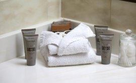 Longreach Motor Inn Bathroom Accessories