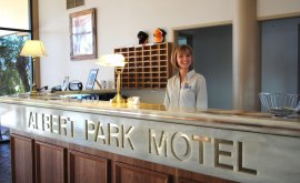 Front desk for albert Park motor inn