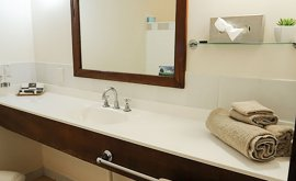 Bathroom vanity with fresh folded towels